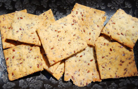 Wheat-free flaxseed crackers recipe
